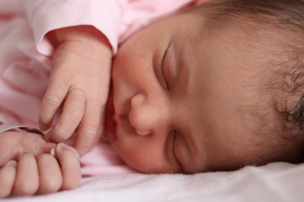 Offrez un bavoir personnalisé au nouveau-né